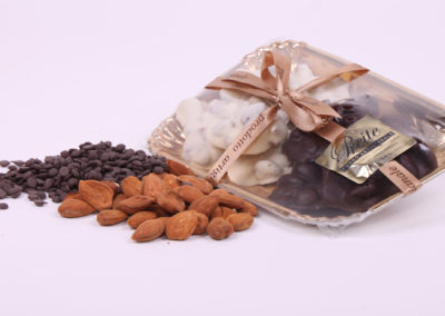 Mandorle al Cioccolato bianco fondente