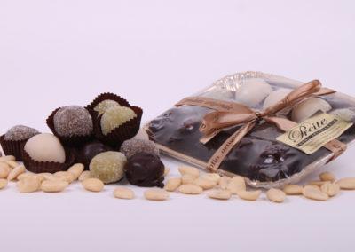 Confezione dolcetti in pasta di mandorla