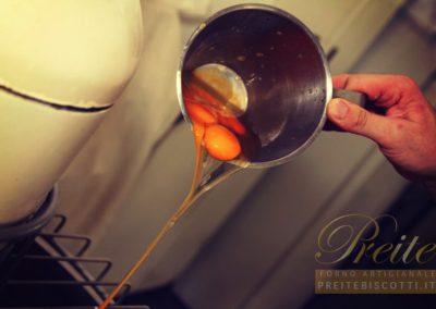 Preparazione impasto per dolci