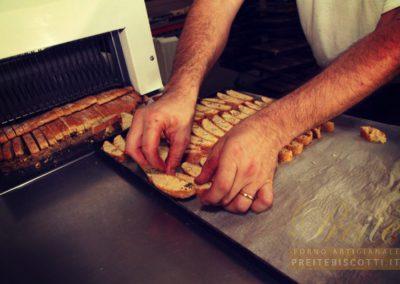 Cottura dei Biscotti alla mandorla